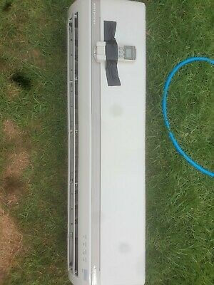 AU800 • Buy Air Conditioner Split System Reverse Cycle. Excellent Condition