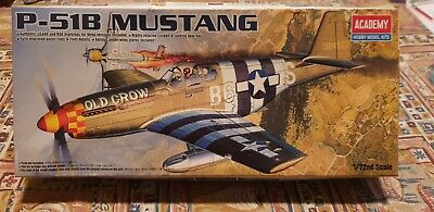 Academy P-51B Mustang Old Crow 1/72  Model Kit # 12464 • 5£