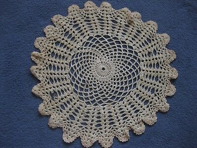 Vintage Round Hand Crochet Dressing Table Mat • 1.25£