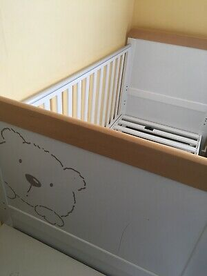 Tutti Bambini Bears Drop Side Cot Bed With The Little Green Sheep Twist Mattress • 130£