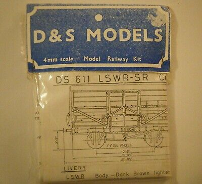 D&S DS611 LSWR SR Cattle Wagon Kit • 25£