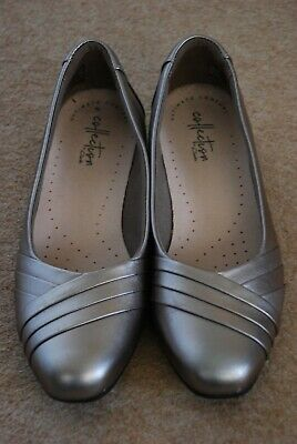 Clarks Collection Flat Gold/pewter Shoes, Size 4 - Great Condition • 7.99£