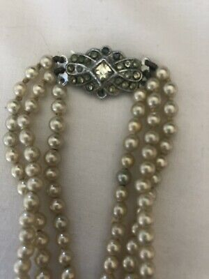 3 String Imitation Pearl Necklace • 0.99£