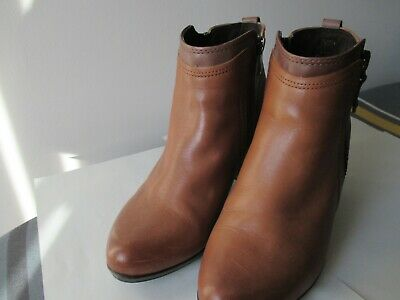 Pavers Tan Ankle Boots Size 5 Side Zip • 15£