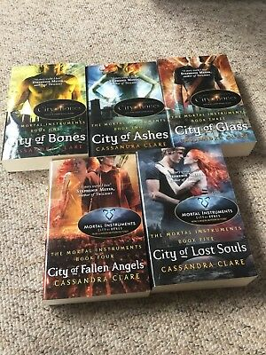 The Mortal Instruments Books 1-5 • 20£