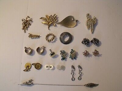 $ CDN15.67 • Buy Vintage Costume Jewelry Lot Pre-Owned, Pins, Broach, Earrings, Buttons