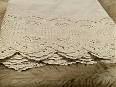 """New Luxury Rectangular White Tablecloth With Lace Finish Edges 52  X 70"""" • 12.99£"""
