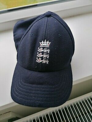 Signed England Cricket Cap • 10.75£