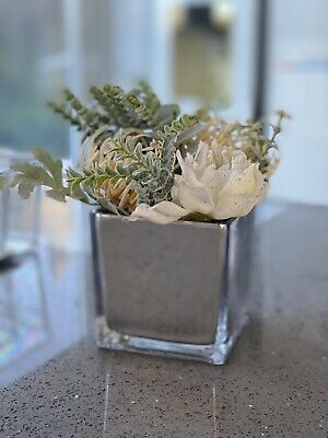 Artificial Natural Frosted White Green Flowers Arrangement In Mirror Cube Vase  • 18.99£