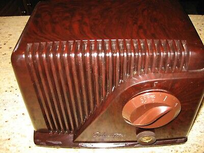 $ CDN177.61 • Buy Silvertone Model 9000 Bakelite Tube Radio With RCA Mod, Plays Great