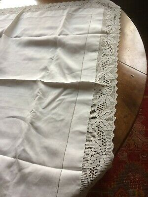 Antique/Vintage White Linen Lace-Edged And Decorated Tablecloth 40 Inches Square • 15£