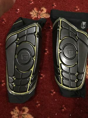 G-Form Pro-S Elite Football Shinguard  Size Large New In Box R.R.P £60 EACH B17 • 42.99£