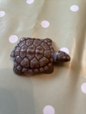 TORTOISE Porcelain MADE BY WADE Approx Length 4.5 Cms • 4.10£