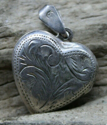 £19.84 • Buy Victorian Sterling Silver 925 Puffy Heart Locket Engraved (r3h2)