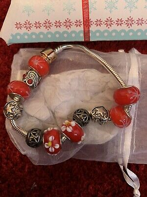 £8 • Buy Red Floral Silver Colour Click Clasp Charm Braclete COMES WITH PACKAGING