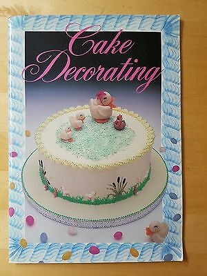 CAKE DECORATING Book ~ Paperback ~ Good Condition • 0.99£