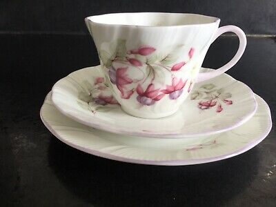 £16.99 • Buy Vintage Rosina China Co. Queen's Fuchsia Cup, Saucer, Tea Plate Trio