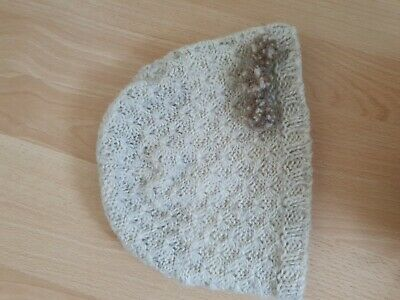 Cream 100% Wool Hat (Outer Layer) With Bobbles • 1.50£