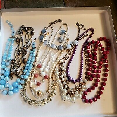 $ CDN12.13 • Buy 9 Pieces Of Vintage Jewelry - Several Signed (Lot 38)