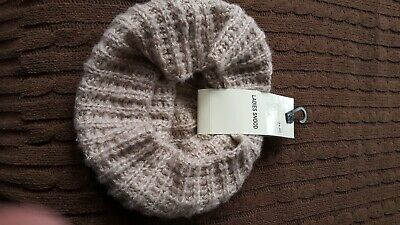 £2 • Buy Chunky Knit Snood Scarf. Beige & Gold. New.