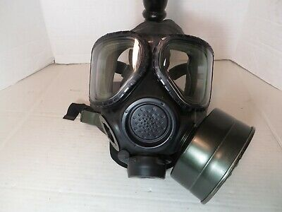 $129.95 • Buy USGI M40 Gas Mask With C2A1 Filter -  Size Small  EXCELLENT CONDITION