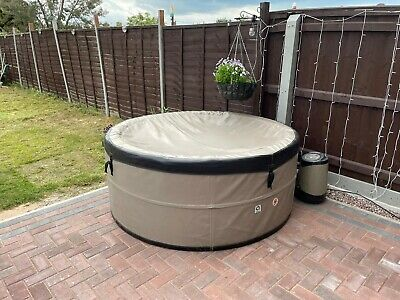 £550 • Buy Canadian Spa Swift Current, 4 Person Hot Tub
