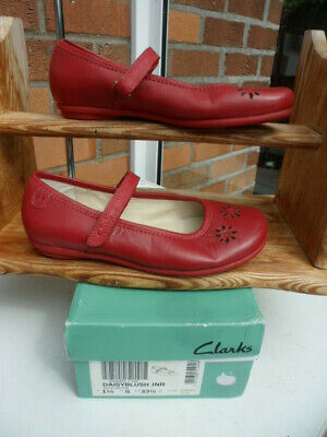 £8 • Buy New Girls Size 13.5 G Clarks Red Leather Shoes Daisy Range