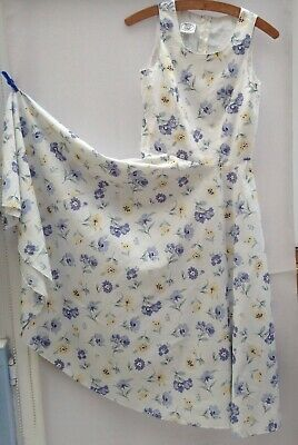 £15 • Buy Vintage Laura Ashley Floral Print Dress With Full Circle Skirt Size 10