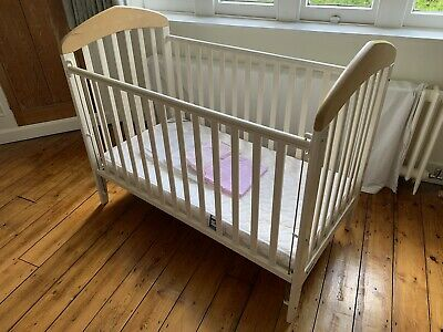 £24.95 • Buy Mamas And Papas Drop Side Cot With Mattress And Bedding, Used
