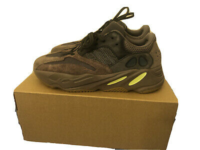 $ CDN302.12 • Buy Adidas Yeezy Boost 700 Mauve Size 10 Box Included 100% Authentic Made In India