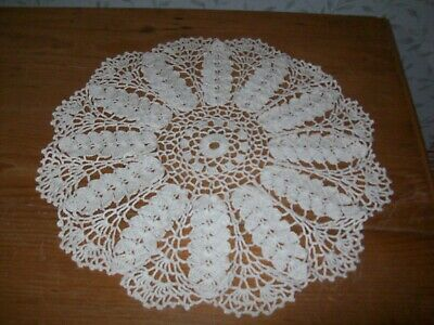 £10 • Buy Cream Large Crochet Table Mat/dressing Table Mat Leaf Pattern Approx 47cm