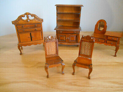 £3.99 • Buy Dolls House Mixed Lot Oak Effect Chest, Dressing Table And 2 Chairs 12th Scale