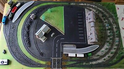 £220 • Buy Hornby 00 Guage Train Set Layout On Ply Board, Trains And Carriages Included.