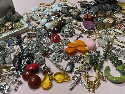 $ CDN32.73 • Buy Vintage Estate Costume Jewelry Lot Mixed Antique Buttons Earrings Necklaces Etc.