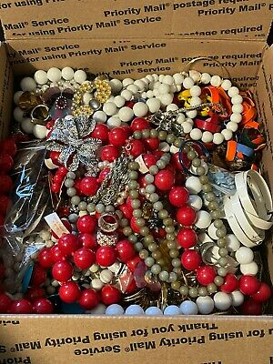 $ CDN19.51 • Buy Junk Jewelry Lot Over 15 Pounds-Broken Pieces For Craft Repurpose