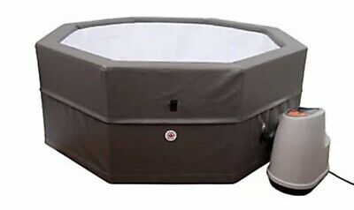 £700 • Buy Canadian Spa 6 Person Hot Tub With Pump