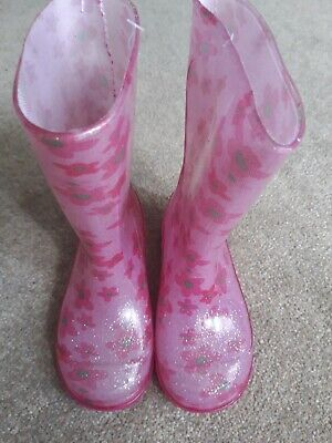 £3 • Buy New With Tags Size 7 Girls Pink Flower Glitter Wellies