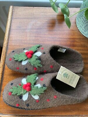 £15 • Buy Pachamama Christmas Pudding Slippers BNWT One Size 4-7 100% Wool With Suede Sole