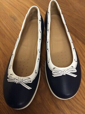 £4 • Buy Hotter Shoes 6.5, Navy/White Trim, Comfort Insoles, Pump Style, VGC.