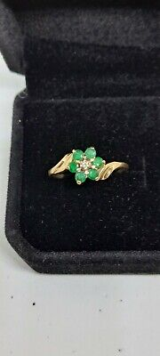 AU150 • Buy 9 Ct Ring  6 Green Emerald And 1 Diamond