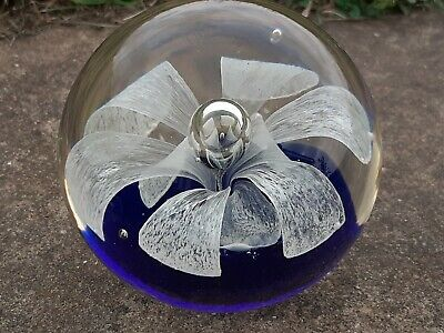 £12.99 • Buy Murano Style Glass Paperweight White Flower With Bubble On Cobalt Blue Base