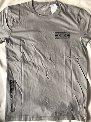 £10 • Buy Boys Hollister T-shirt Size XS (can Fit From 13 Or 14 Years Old)