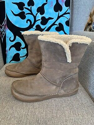 £15 • Buy Clarks Grey Shearling Suede Ankle Boots Pull On In Box Size 6