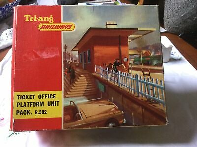 £20 • Buy Triang Ticket Office Platform Unit Pack  R.582 In Picture Box