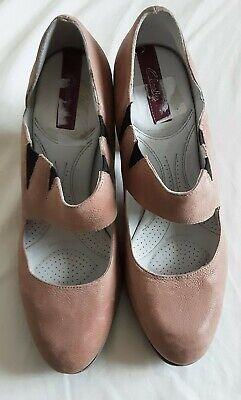 £6.99 • Buy Ladies Block Heeled Suede Shoes, Colour Stone , Size 7D Clarks In Excellent...