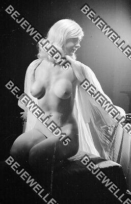£7.50 • Buy 3x Old 35mm Glamour Negatives.More Gorgeous Sexy Nude Model.Sheer Negligee.0112