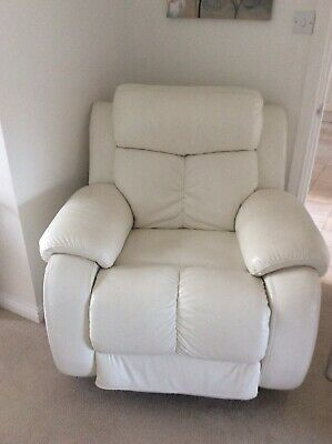 £250 • Buy Two White Leather Electric Recliner Chairs In Excellent Condition