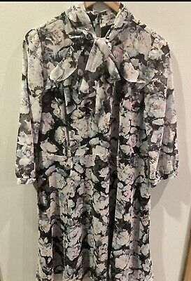 AU0.99 • Buy 🥰BNWOT Review Floral Dress In Size 16