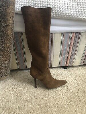 £75 • Buy Knee High Suede Gucci Boots Size 37