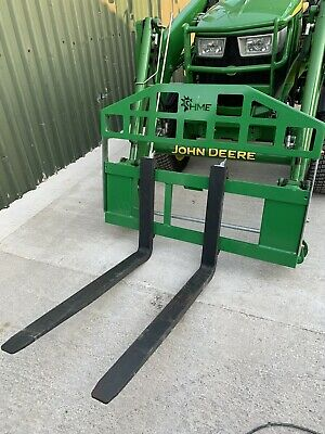 £890 • Buy New John Deere Compact Tractor Green Hme Adjustable Pallet Forks & Spill Guard
